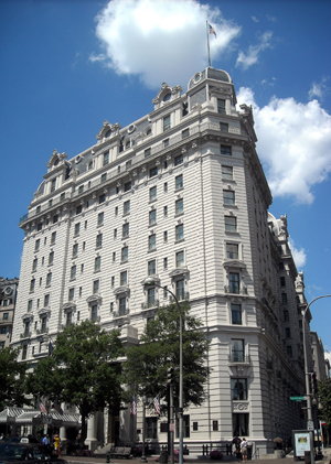 Willard Intercontinental Hotel in Washington, D.C., this historic historic luxury Beaux-Arts hotel designed by Henry Janeway Hardenbergh. Image by AgnosticPreachersKid. This file is licensed under the Creative Commons Attribution-Share Alike 3.0 Unported license.