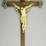 Finely carved antique ivory crucifix. Midwest Auction Galleries image.