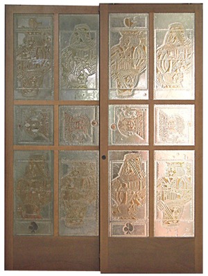 Studio Davico sliding door, wooden structure hand decorated acid engraved glass panel. Panel dimensions: 70.8 inches x 98.4 inches x 1.2 inches. Estimate: €4,000-€5,000. Nova Ars image.