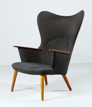 Kaminski boasts Toulouse-Lautrec print, Wegner chair Sept. 22