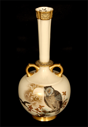 Royal Worcester two-handle vase, mold #784, in cream tones with owl, crow and branch décor. Woody Auction image.