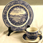 Three-piece setting of Baltimore & Ohio Railroad dinnerware by Shenango China. Image courtesy of LiveAuctioneers.com Archive and B. Langston LLC.
