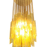Venini ceiling lamp, blown glass elements supported by metal small chains, circa 1960. Estimate: €5,000-€6,000. Nova Ars image.