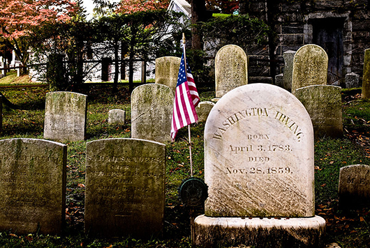 Washington Irving's headstone, Sleepy Hollow Cemetery, Sleepy Hollow N.Y. Image by James P. Fisher III. This file is licensed under the Creative Commons Attribution 3.0 Unported license.