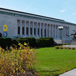 The Toledo Museum of Art in Toledo, Ohio. Image by and ©2004 Dustin M. Ramsey. This file is licensed under the Creative Commons Attribution-Share Alike 2.5 Generic license.