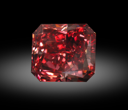 A rare fancy red diamond. Zach Colodner image, courtesy Optimum Diamonds
