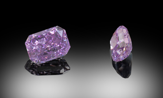 A vivid purple .81 carat diamond. Zach Colodner image, courtesy Optimum Diamonds