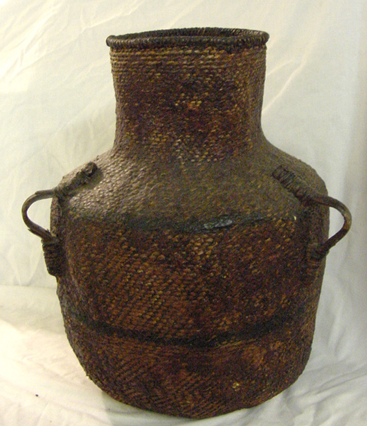 Prized Indian olla, circa 1880-1900. John W. Coker Auctions image.