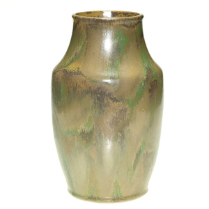 Red Wing Nokomis vase, 10 3/8in tall. Image courtesy of LiveAuctioneers Archive and Humler & Nolan.