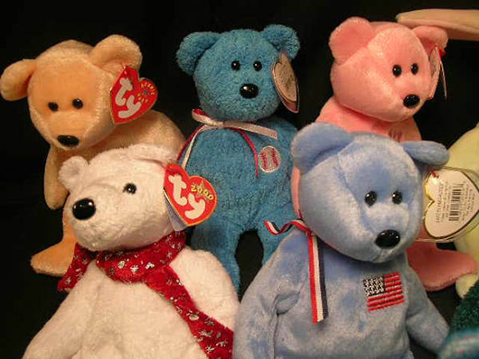 A group of Beanie Babies produced by Ty Inc. Image courtesy of LiveAucitoneers.com Archive and Auctions Neapolitan & Gallery.