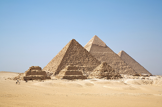 The pyramids of Giza. Image by Ricardo Liberato, courtesy of Wikimedia Commons.