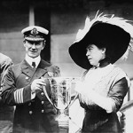 Mrs. J.J. 'Molly' Brown presenting an award to Capt. Arthur Henry Rostron, for his service in the rescue of the Titanic. Image courtesy of Wikimedia Commons.