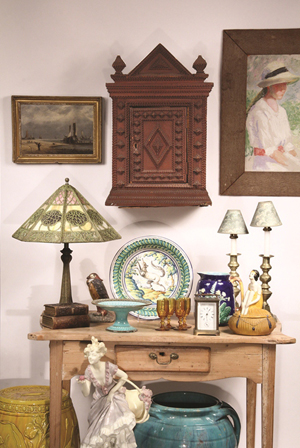 Selection of items to be sold March 29-30. Thomaston Place Auction Galleries image.