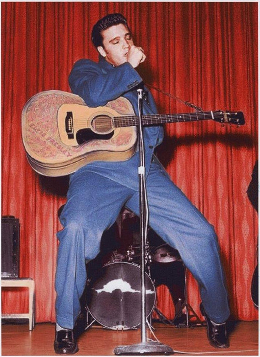Elvis Presley owned and worn suit, Lansky's, 1956. Estimate: More than $20,000. Heritage Auctions image.