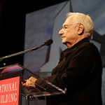Frank Gehry at the National Building Museum in 2007. Photo by Paul Morigi. This file is licensed under the Creative Commons Attribution 2.0 Generic license.