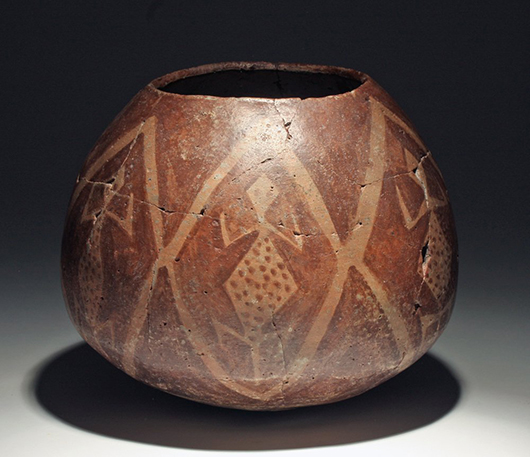 Rare Hohokam Sacatan vessel, lizard motif, circa A.D. 900-1100. Estimate: $700-$900. Artemis Gallery Live image.