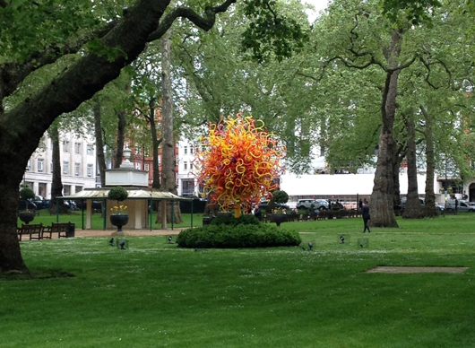 'The Sun' a glass sculpture by Dale Chihuly on show in London's Berkeley Square. Image: Auction Central News.