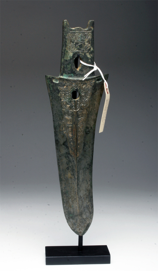 Early Warring States Bashu silver dagger axe, China, circa pre-400 BCE. Est. $15,000-$20,000. Image: Artemis Gallery LIVE