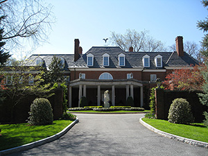 Hillwood Estate, Museum and Gardens, located at 4155 Linnean Avenue, NW Washington, DC. The estate is the former home and garden of Marjorie Merriweather Post. The house, originally known as Arbremont, was designed by John Deibert in 1926. Image by Jllm06, courtesy of Wikimedia Commons.
