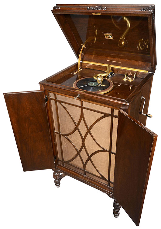 H.M.V. Model 203 gramophone, 1927. Price realized: 8,000 euros ($11,000). Auction Team Breker image.