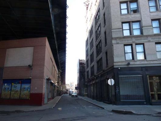 Mechanics Alley, New York City. Photo by Kevin Walsh via forgotten-ny.com.