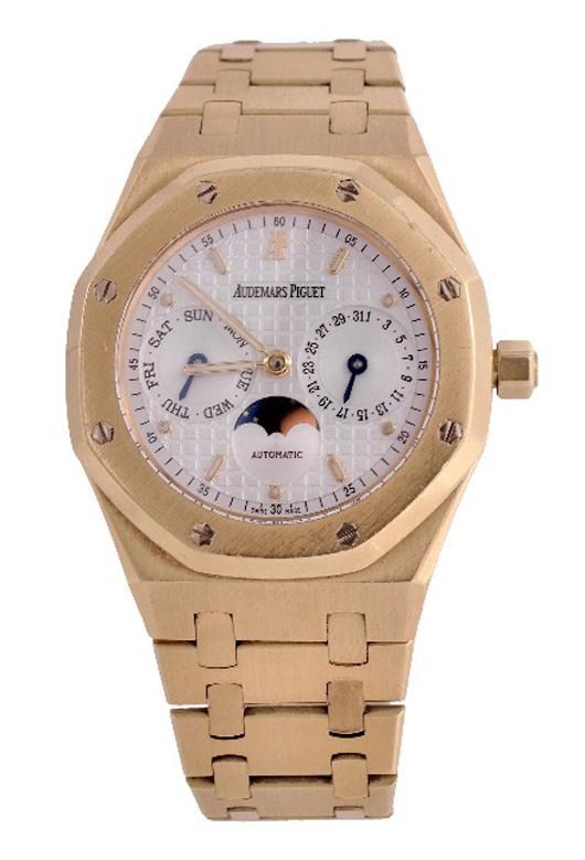Audemars Piguet, Royal Oak, man's 18K gold wristwatch. Estimate: £6,000-8,000.  Dreweatts & Bloomsbury Auctions image.