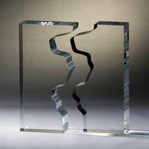 Angelo Mangiarotti, Separazione nostalgica, Plexiglas sculpture, signed, 14.5 inches high by 11.8 inches by 2. 7 inches. Estimate: 3,000-3,500 euros. Nova Ars Auction image.