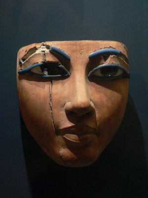 An Egyptian death mask from the 18th dynasty at the Louvre in Paris. Image by Anonymous - Rama. This file is licensed under the Creative Commons Attribution-ShareAlike 2.0 France.