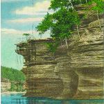 Hawk's Bill, Picturesque Wisconsin Dells — 43. Postally used in 1945.
