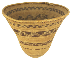 The top lot of the auction was this exceptional and large traditional-shaped Pomo burden basket, which sold for $23,000. Allard Auctions Inc. image.