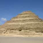 Saqqara stepped pyramid. Image by Charlesjsharp at English Wikipedia.