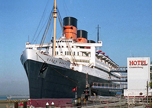 The RMS Queen Mary, launched in 1936, is now a hotel in Long Beach, Calif. Image by Mike Fernwood, Santa Cruz, Calif. This file is licensed under the Creative Commons Attribution-ShareAlike 2.0 Generic license.