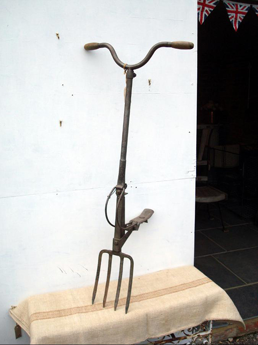 A rare patent digging fork. Step on the pedal and the thing digs for you – almost. Photo Garden Artefacts.