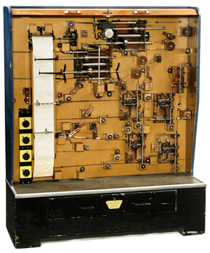 Capable of solving a range of complex equations, this 1958 Mechanical Analogue Computer, or M.A.C., was an early flight simulator. Auction Team Breker image