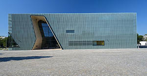 The newly opened Museum of the History of Polish Jews in Warsaw. Image by Adrian Grycuk. This file is licensed under the Creative Commons Attribution-ShareAlike 3.0 Unported license.