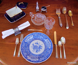 Terry Kovel set this table with a beautifully traditional Thanksgiving theme. The focal point is Spode china in the 'Floral' pattern, which was introduced in the 1830s. Image courtesy of Kovels.com