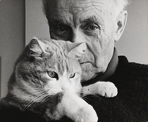 Ben Nicholson holding his cat Tommy, 1968. Image by Felicitas Vogler, courtesy of Tate.