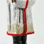 Viele der Belsnickel Süßigkeitenbehälter, wie dieser Geselle, wurden am Boden zusammengeklebt, um später als Weihnachtsdekoration genutzt zu werden. Mit seinem geschmückten Baum und der starken Bedeckung mit funkelndem Glimmer brachte dieser Belsnickel €7795 bei Dan Morphy Auctions' September, 2011. Foto mit freundlicher Genehmigung von Dan Morphy Auctions, LLC