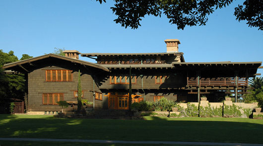 The historic Gamble House, Pasadena, Calif., by Charles and Henry Greene, 1908. Image by Mr. Exuberance. This file is licensed under the Creative Commons Attribution-ShareAlike 3.0 Unported license.