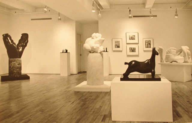The interior of the Alex Rosenberg Gallery in 1985, showing works by Henry Moore and Helaine Blumenfeld. London sculpture dealer Robert Bowman will restage that dialogue at his gallery in Duke Street, St. James from May 22 to June 30. Image courtesy Helaine Blumenfeld and Bowman Sculpture.