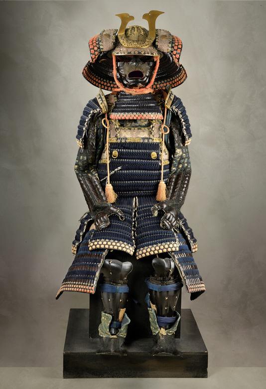 Lotto 665, importante armatura giapponese, stima 90.000-120.000 euro. Courtesy Czerny International Auction House.
