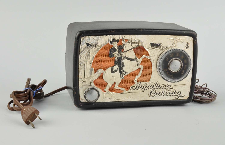 Hopalong Cassidy radio. Estimate $200-$400. Morphy Auctions image
