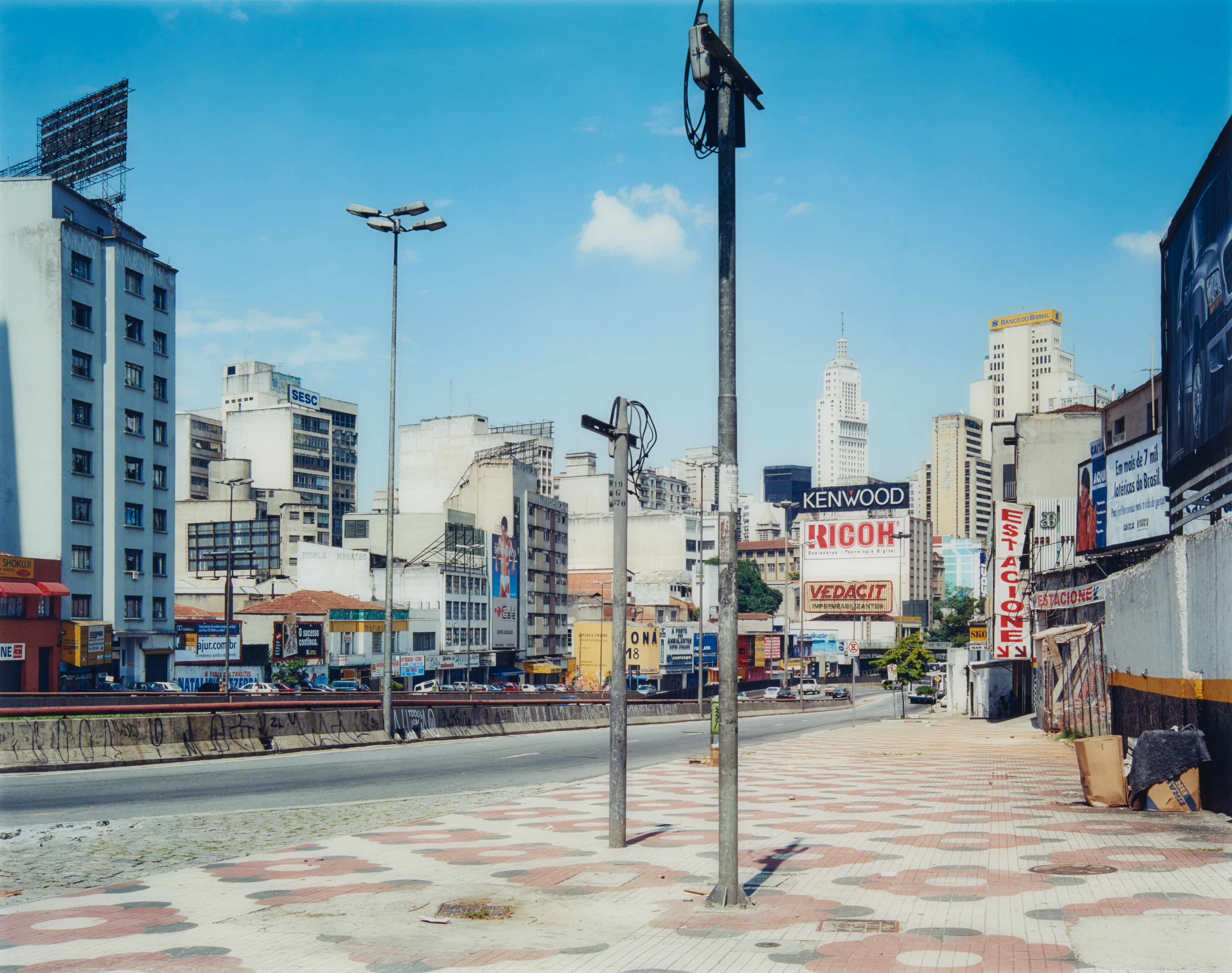 Thomas Struth 'Avenida Tiradentes,' Sao Paolo, 2001 C-print, 136 x 172,6cm. Estimated price: 20,000-30,000 euros ($22,530-$33,792). Photo courtesy of Van Ham Kunstauktionen