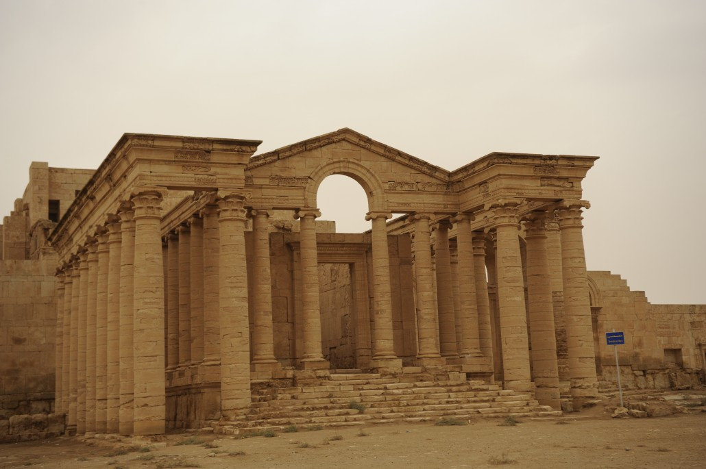 n March, Iraqi officials reported that the militant group Islamic State of Iraq had begun demolishing the ruins of Hatra. Image courtesy of Wikimedia Commons.