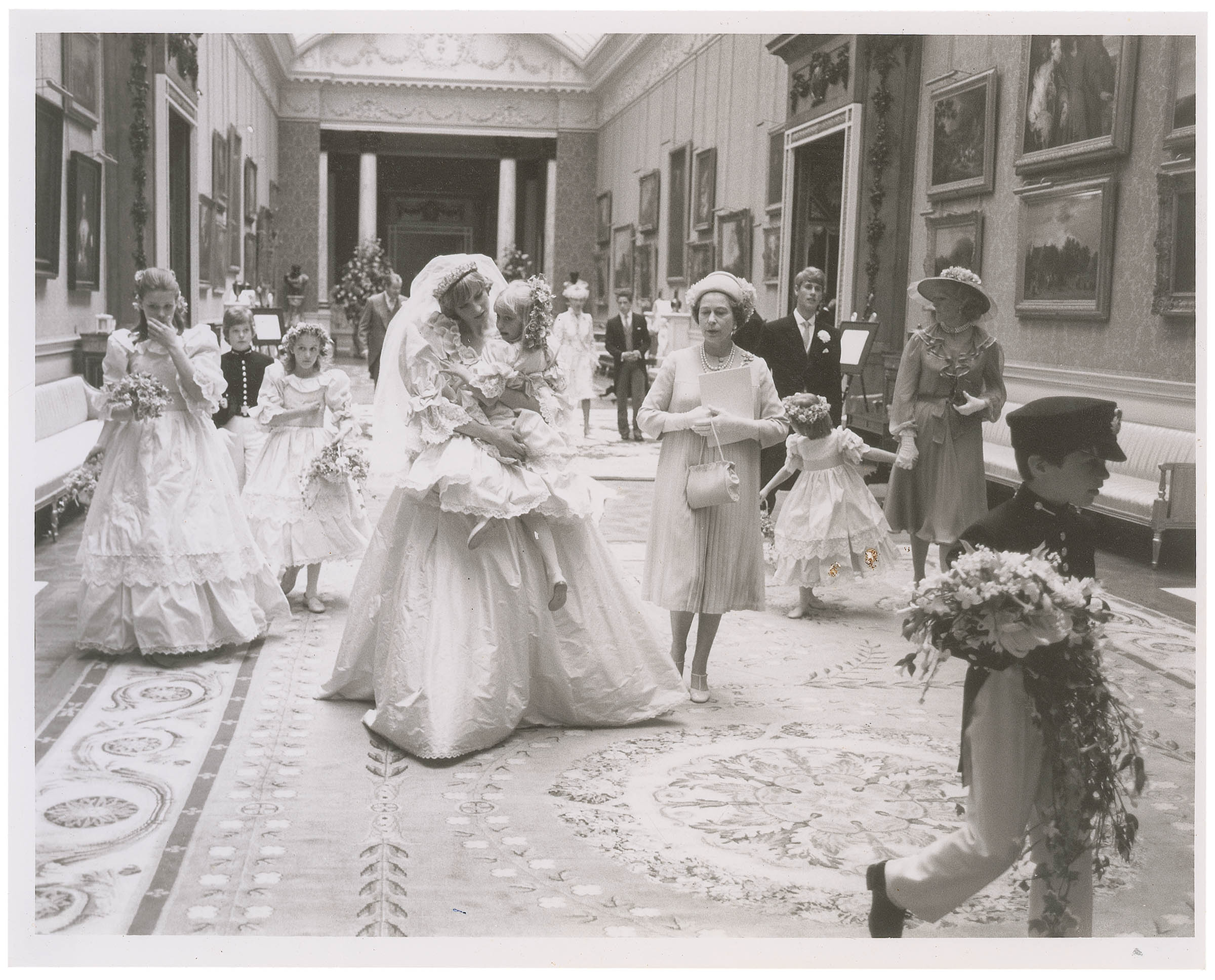 Unpublished Charles and Diana wedding photos up for auction