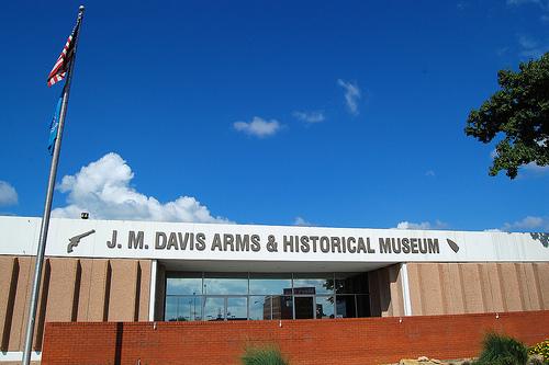 J_M_DavisArmsAndHistoricalMuseum