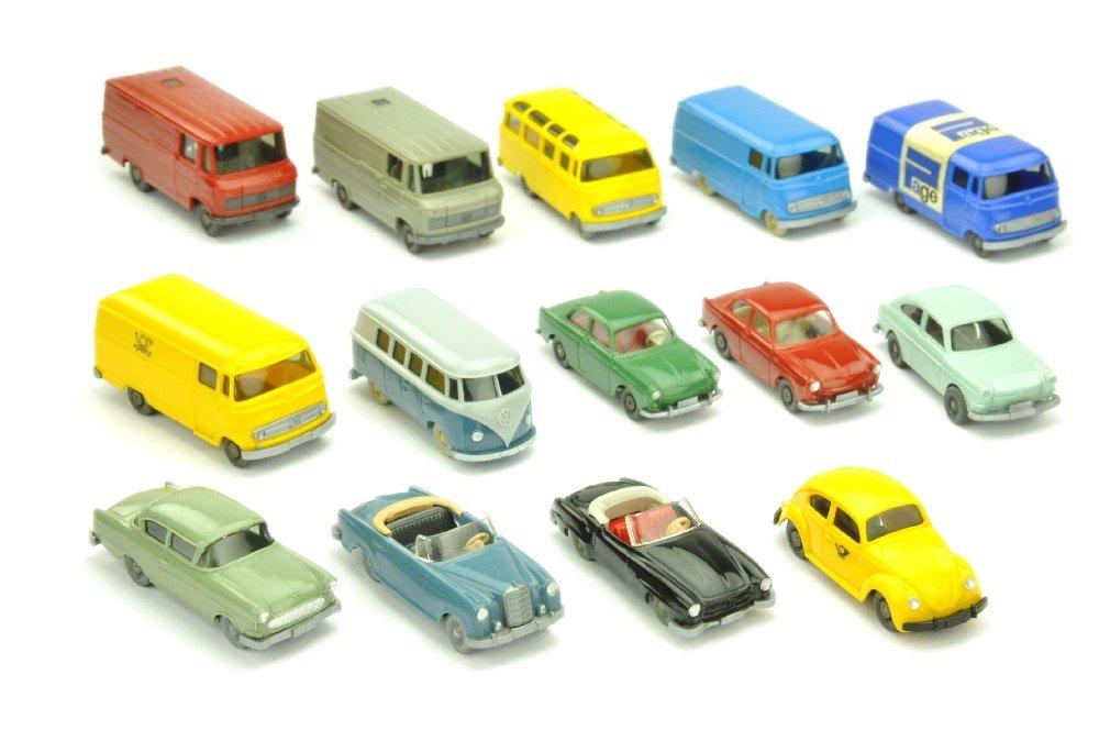Die Auswahl der Wiking-Farben ist erstaunlich: schwarz, weiß und creme bis beige, viele Schattierungen von grau, dunkel- und hellrot, blau und grün, gelb und orange. Foto mit freundlicher Genehmigung des Auktionshauses Saure.