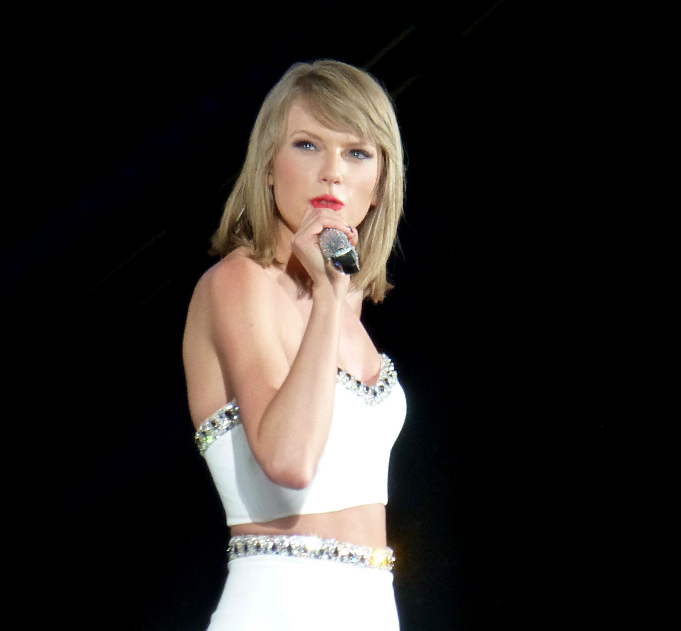 Idris Elba, Taylor Swift among chairs for Met gala in May