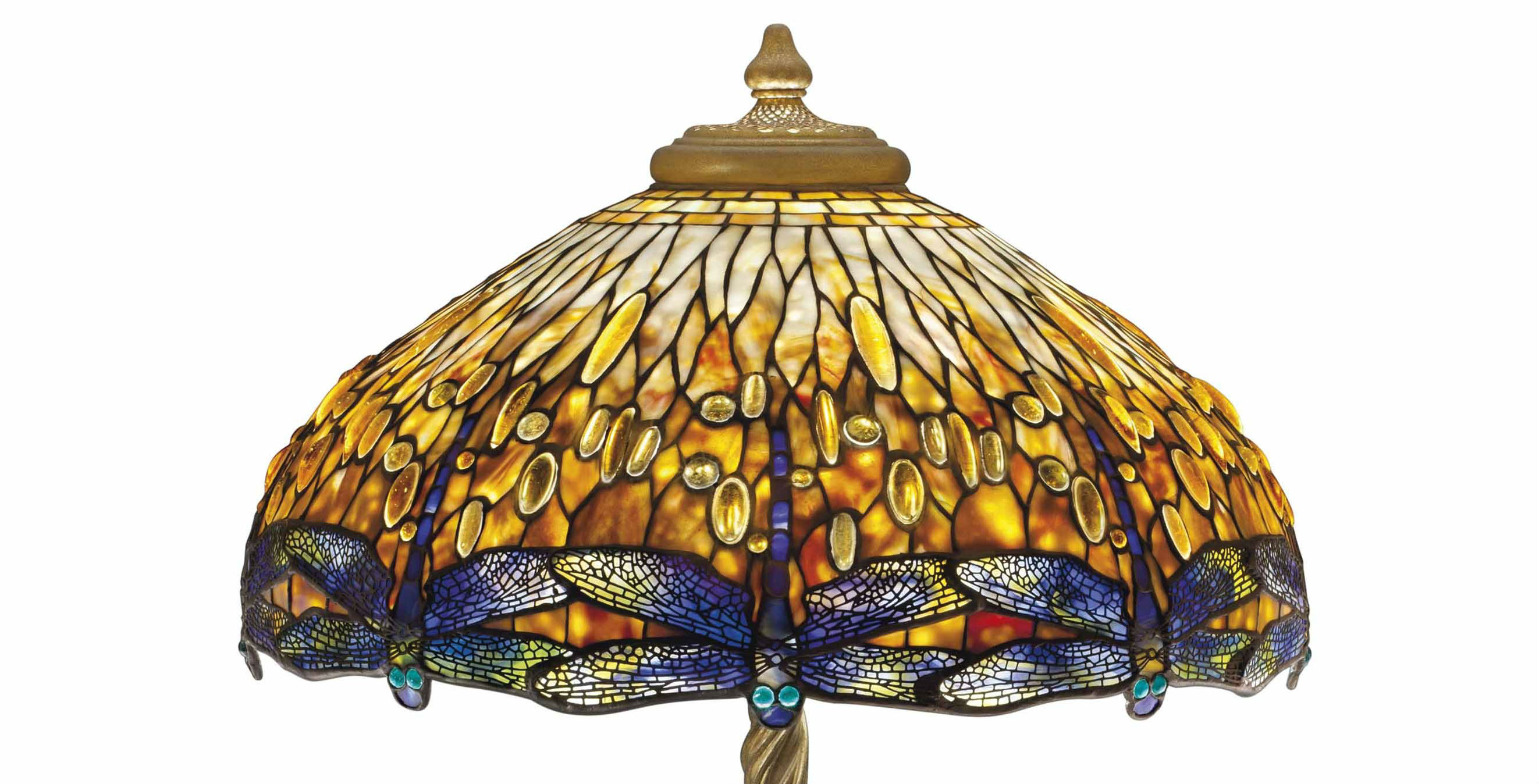 Perfectly suited to the shades shape dragonflies were a popular motif that tiffany adapted to several lamp designs this example has the desirable dropped