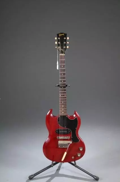 Gibson SG electric guitar, circa 1965-68, Serial #513848, est. $4,000-$5,000